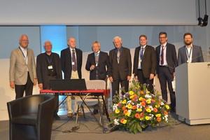 Herzliche Begrüßung der Mitglieder der ersten Stunde: Fridtjof Nüsslin, Ulf Rosenow, Klaus Welker, Dieter Regulla, Hans Eipper, Mark Ladd, Christian Gromoll, Nils Wegner (v.l.n.r.)